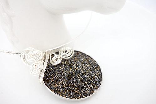 Collier poudre de Swarovski noir et or