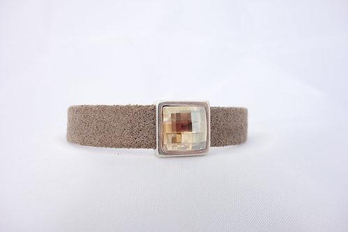 Bracelet cuir et cabochon en cristal doré
