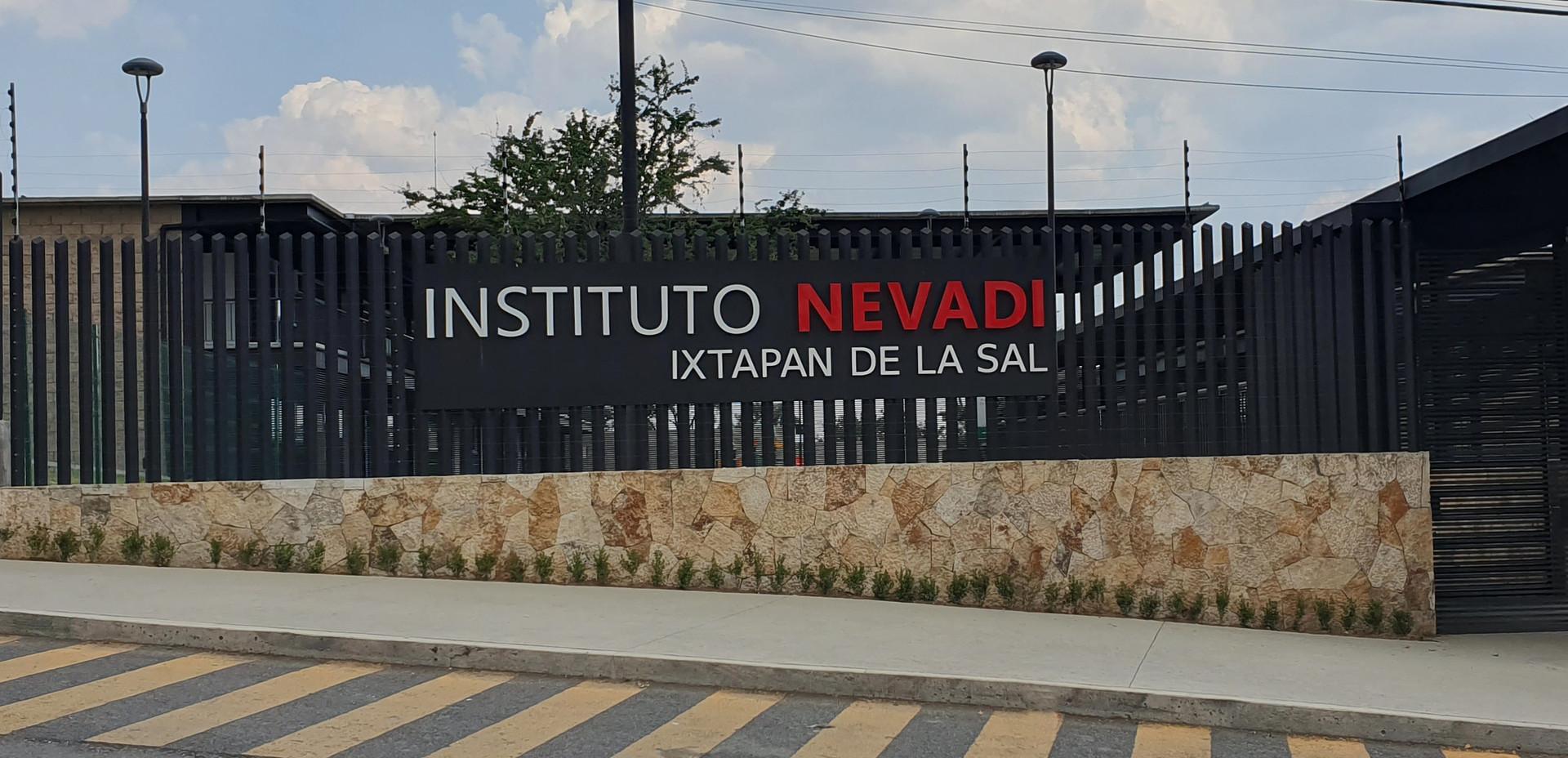 Instituto Nevadi  Ixtapan 1.jpg