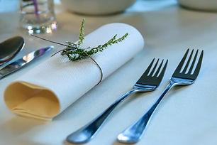 cutlery-flatware-forks-172491.jpg