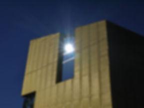 Litzendorf Bücherei Fassadenverkleidung mit Streckgitter aus Kupfer TECU Gold.
