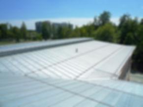 Kirchseeon Gymnasium Dacheindeckung mit Doppelstehfalz aus Edelstahl.