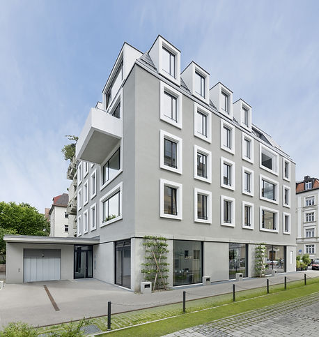München Kaiserstraße 28 Dacheindeckung mit handgefertigten Rauten aus VM Zinc Quartz.