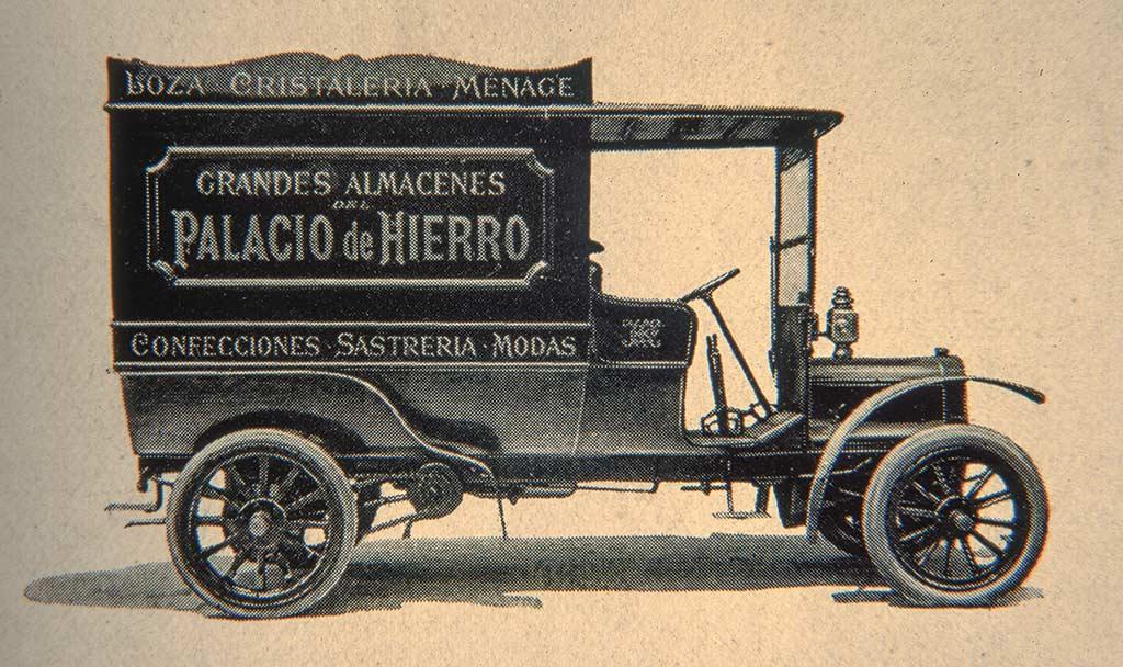 El Palacio Delivery Truck