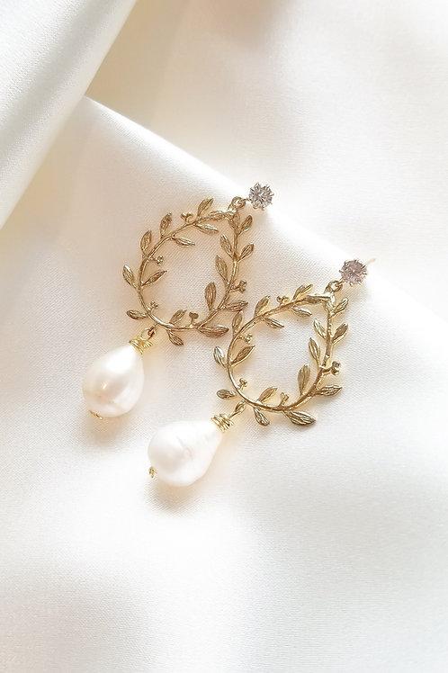 Cassia Laurel Leaf and Fresh Water Pearl Diamond Earrings