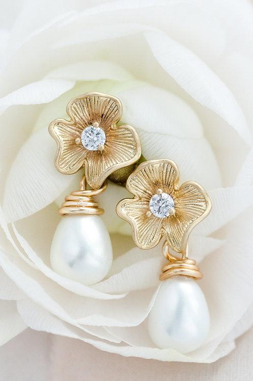 Flower Crystal Pearl Studs