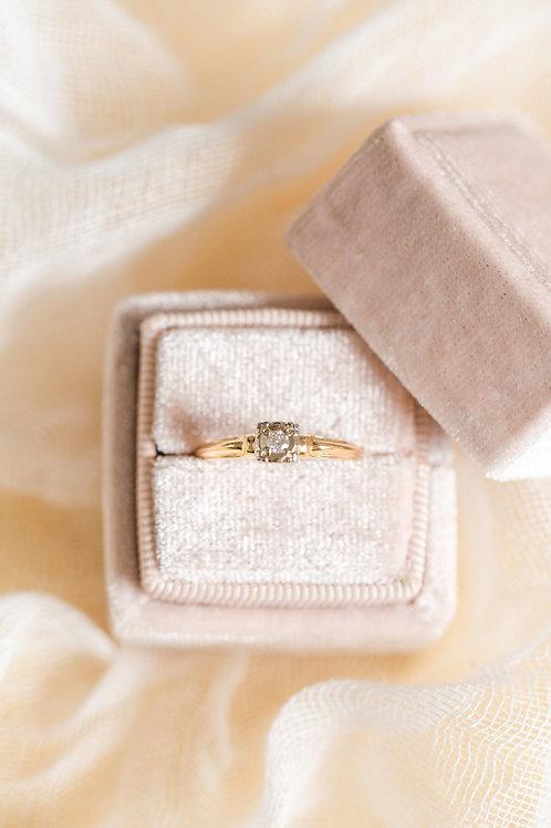 Solitaire Diamond Engagement Ring Vintage
