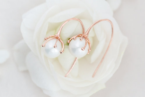 Rose Gold Flower Pearl Earrings