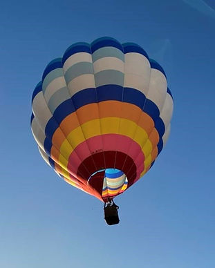 気球体験・イベントのウイニングバルーンクラブでは、3~4人乗りの「ソラン号」を使用しています。