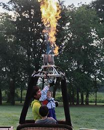 気球体験・イベントのウイニングバルーンクラブでは、アクティビティジャパンにも掲載し、多数口コミをいただいています。