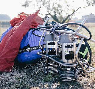 気球体験・イベントのウイニングバルーンクラブでは、最新の機材を使用し安全に、素早くゲストを誘導することができます。