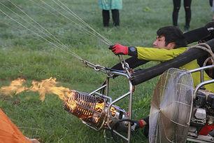気球体験・イベントのウイニングバルーンクラブでは、熱気球パイロットになるためのトレーニング、もしくはパイロットになった後の練習も可能です。