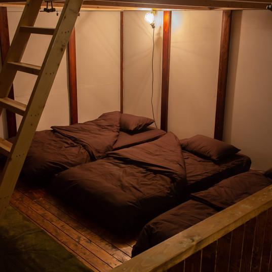 寝室(ロフト下)