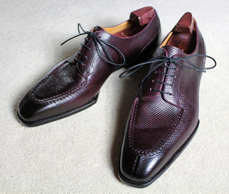 Yeossal Review - Thompson split-toe derby in oxblood hatchgrain leather