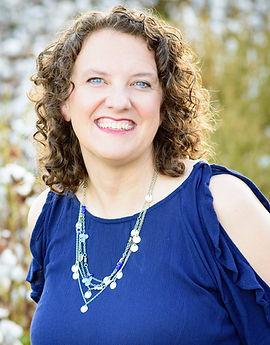 Kim Endraske headshot.jpg