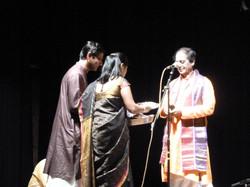 Kiranavali & Vidyasankar felicitating Sri. T N Seshagopalan