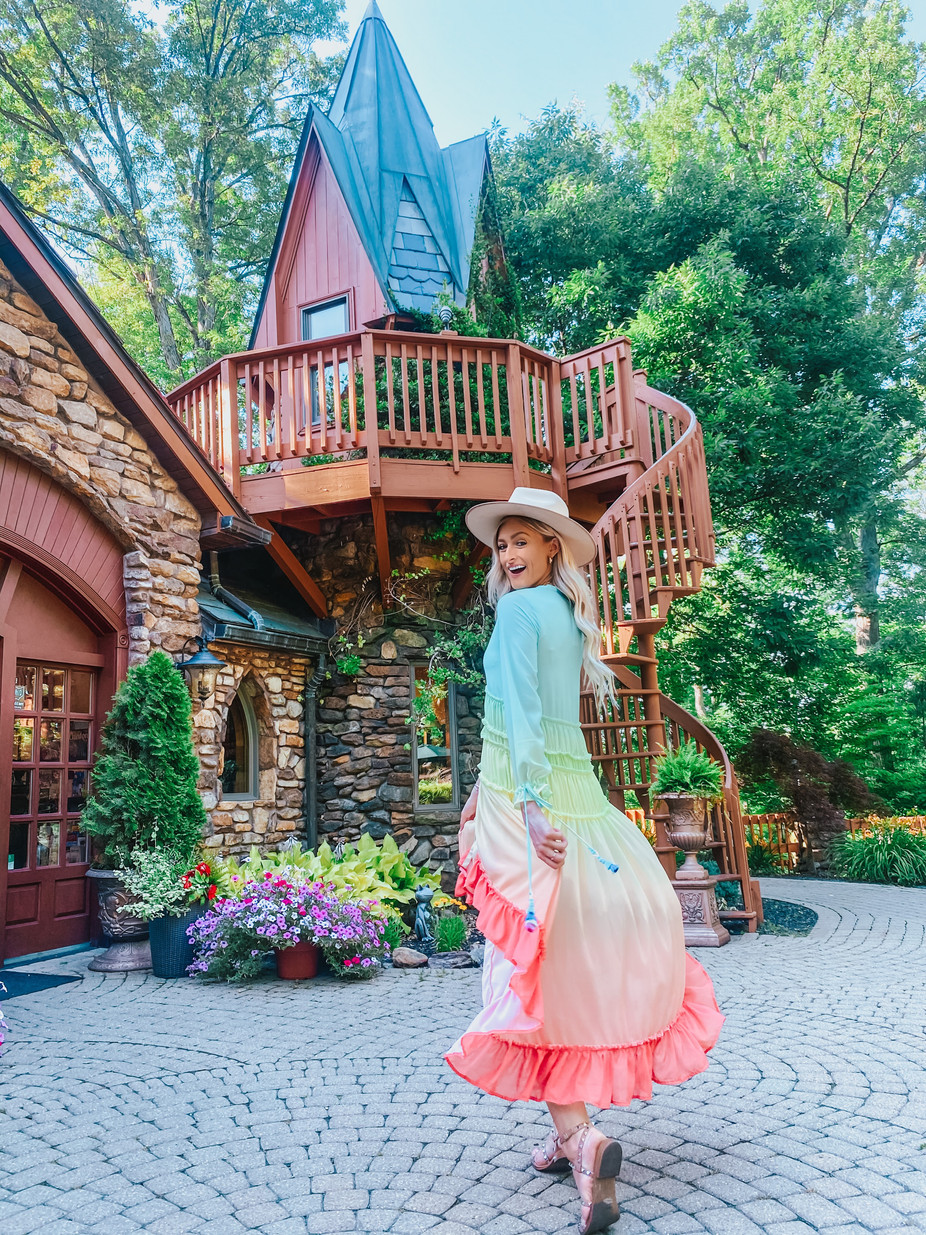 Landoll's Mohican Castle - A Majestic and Luxurious Stay in Ohio