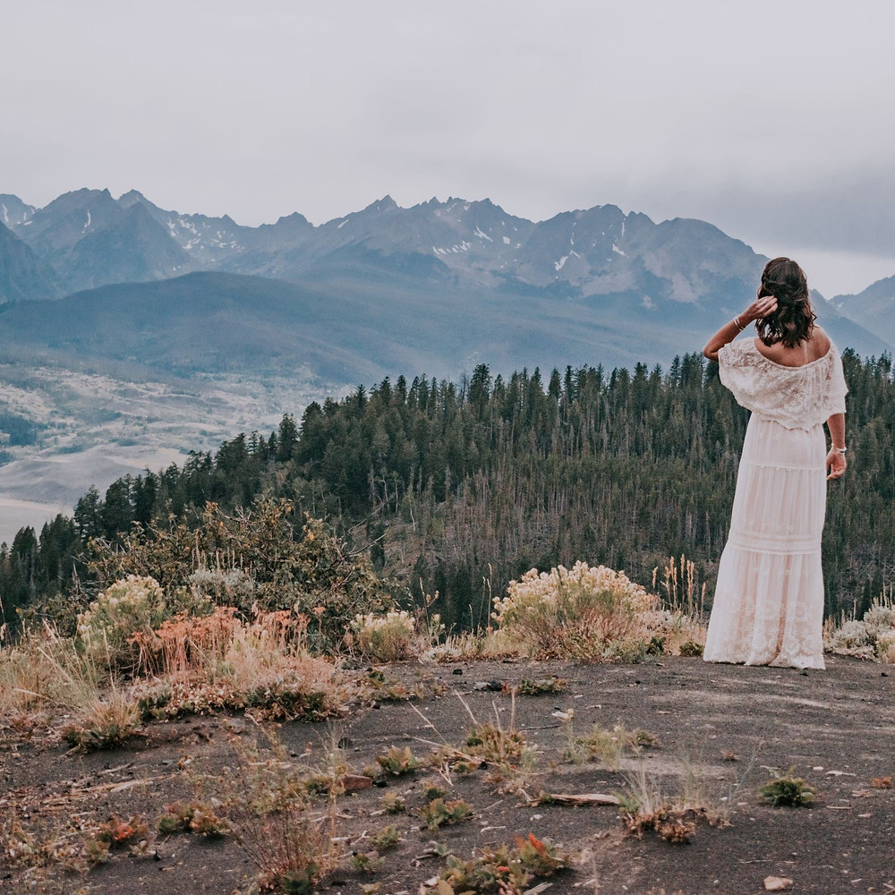 Boho Bride on Top of a Mountain, Ute Pass in Silverthorne, Mountain Adventure Elopement Location