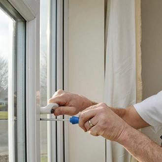 Почему пластиковые окна ломаются?