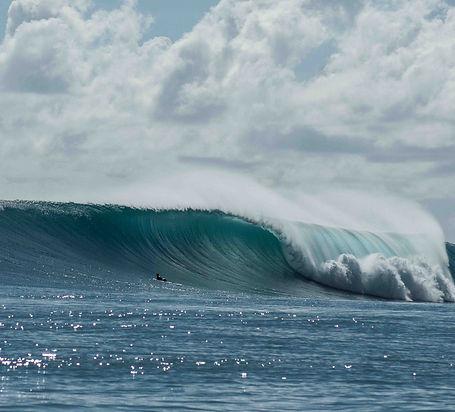 Waves at Mentawai Family Surf Resort in Indonesia
