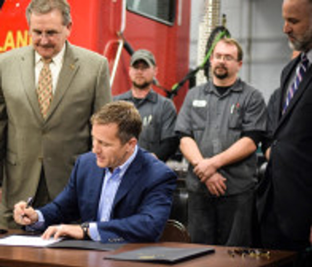 Gov Greitens signs expert witness bill