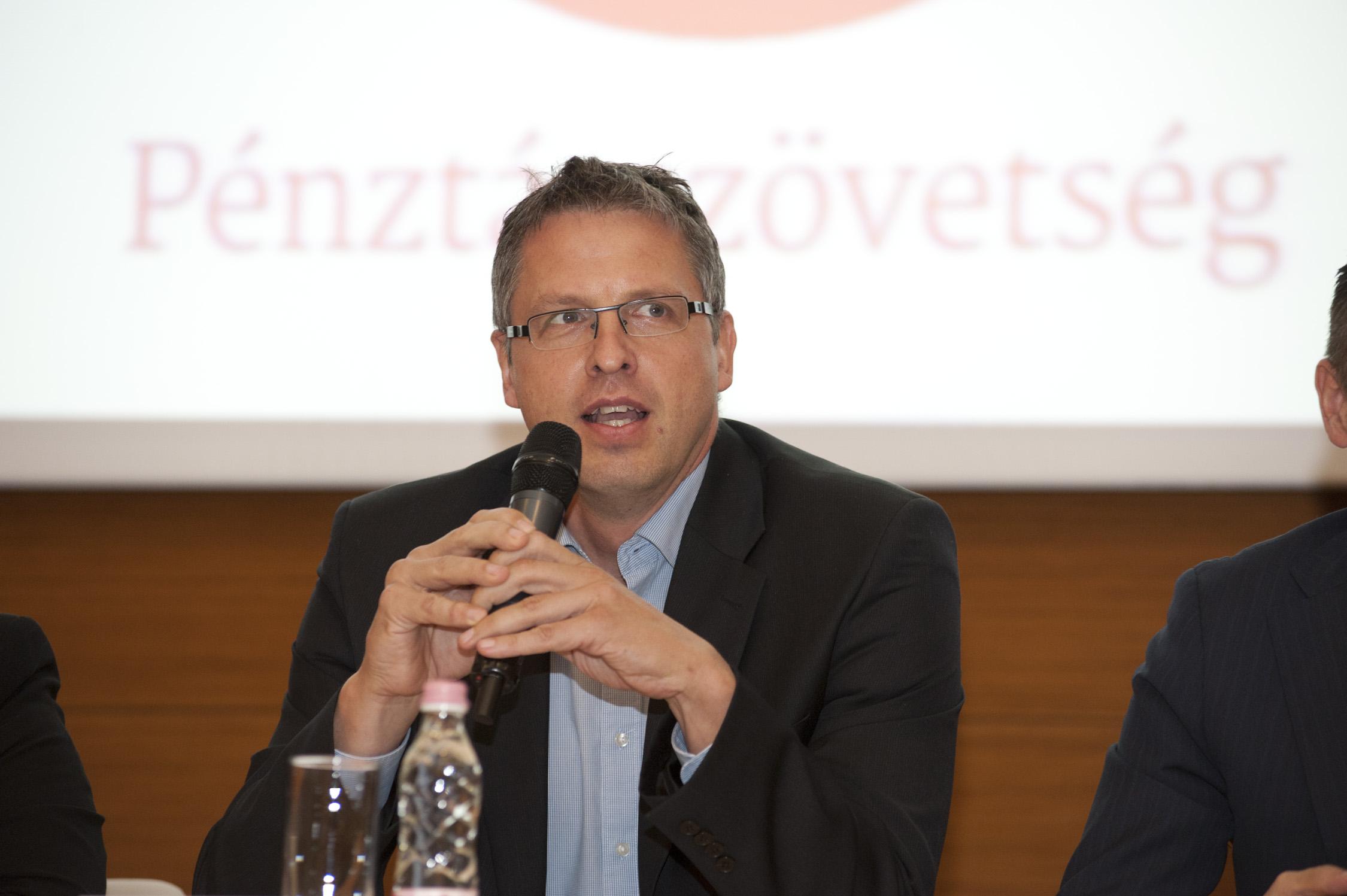 Dr. Váradi Péter
