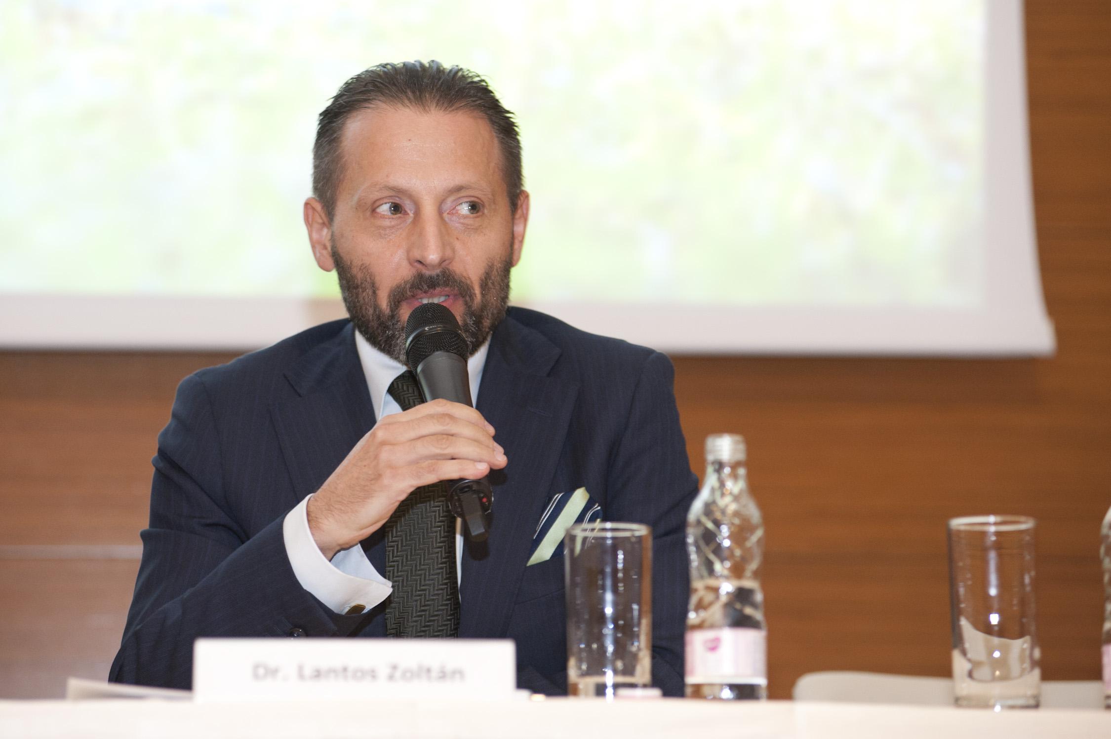 Dr. Lantos Zoltán