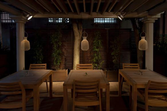 Rengetsutei terrace_02.jpg