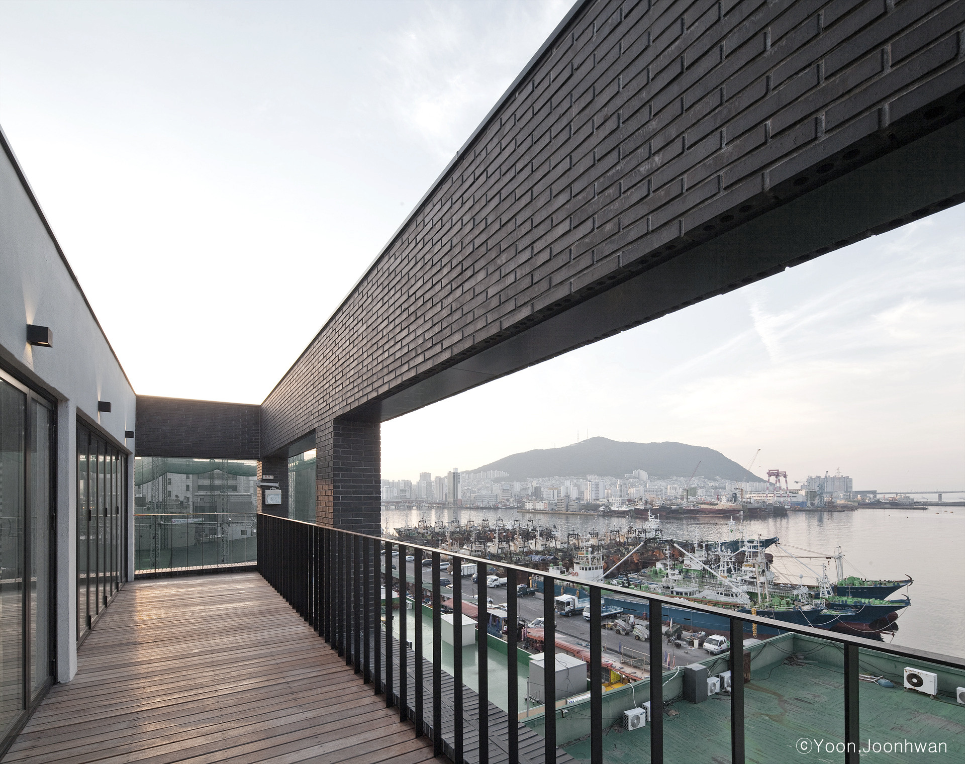 10_Roof_Terrace_02_Natural Selection_arc