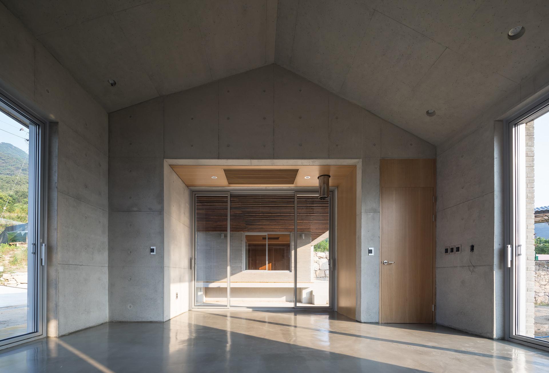 24_거실1_architect_K_Grandpascoolhouse_INT