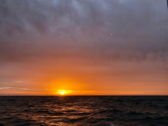 Sunset au large