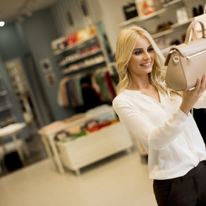 Call Center Agent for a Luxury Design Retailer