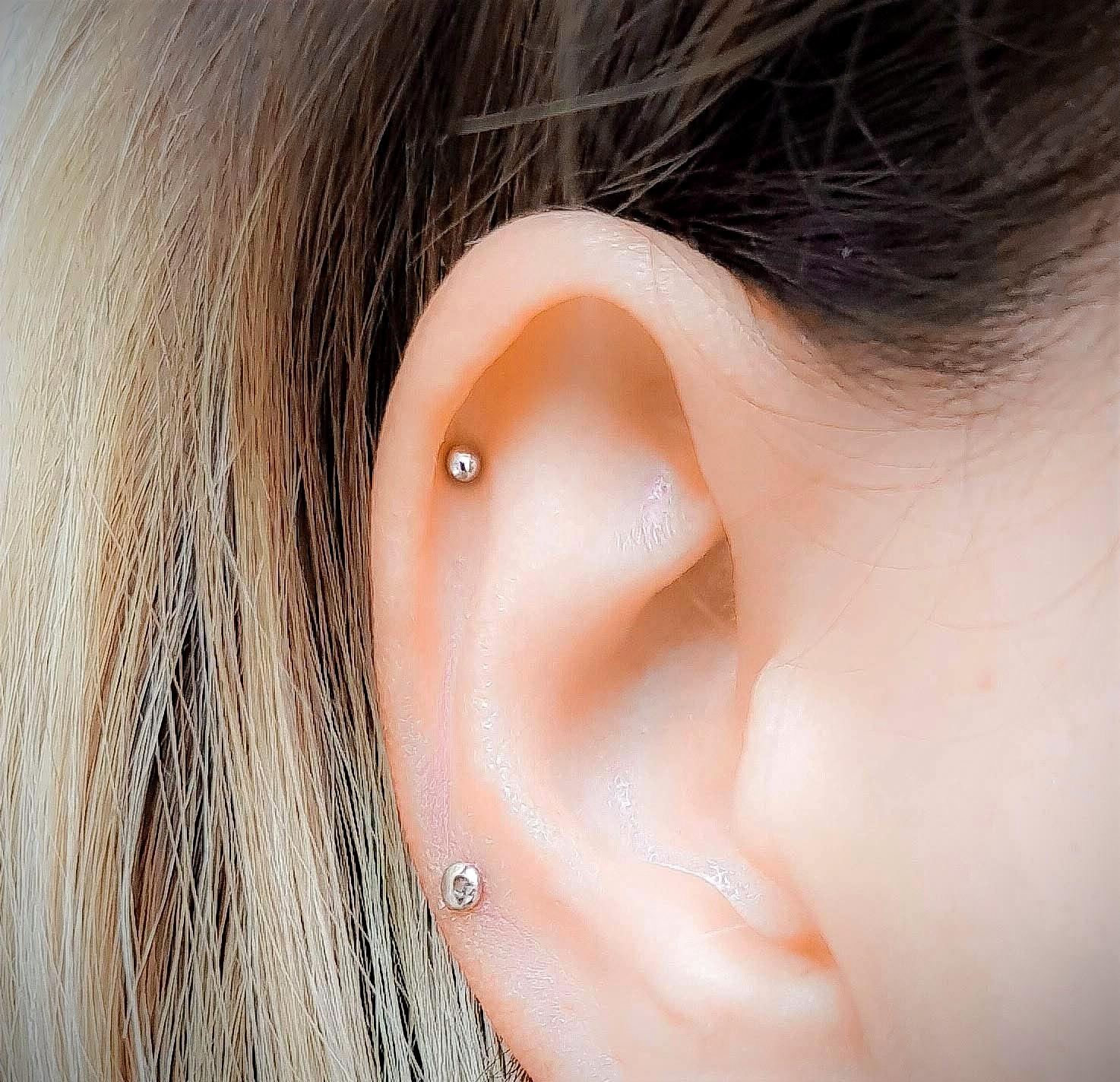 Single Helix or Upper Ear Piercing