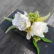 Haircomb with white flowers