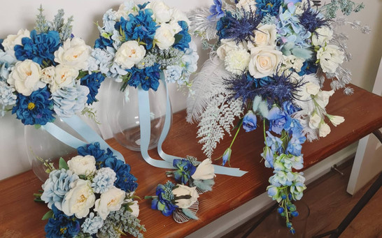 Artificial blue wedding set.