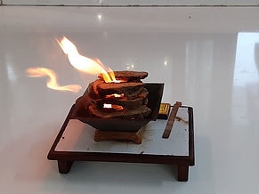 Vishwa agnihotra pot fire.jpg