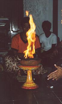 Agnihotra bali 2002.jpg