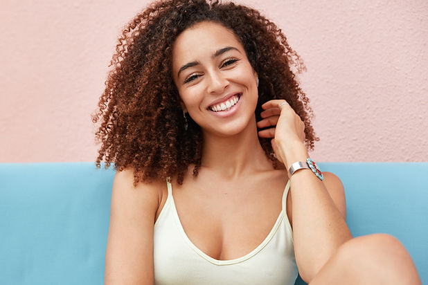 photo-positive-smiling-woman-with-broad-