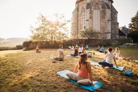 Zauberland - Yoga auf der Wiese-145.jpg