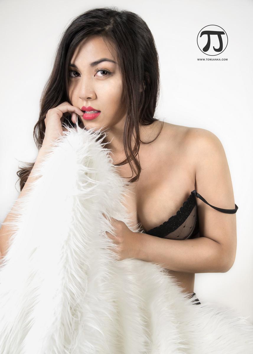 Stephanie - tomjanka.com