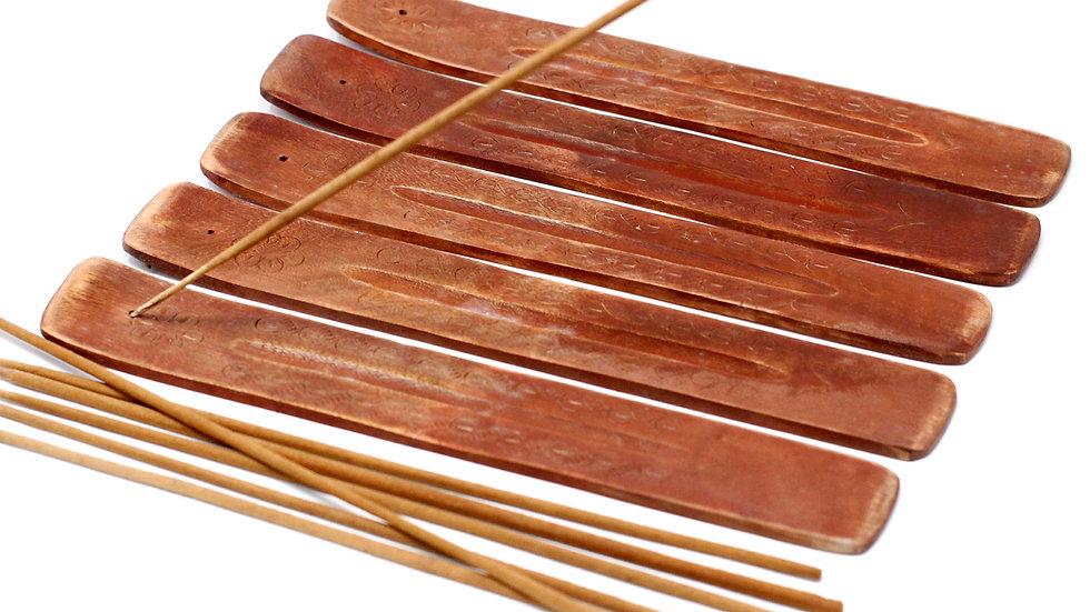1x Carved Mango Wood Ashcatcher