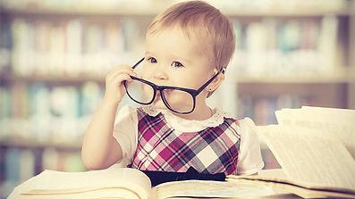 bebe-lunette-livre.JPG