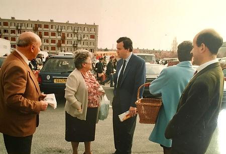 Patrice Martin-Lalande et son suppléant Olivier Bouton pendant la campagne des législatives de 1993