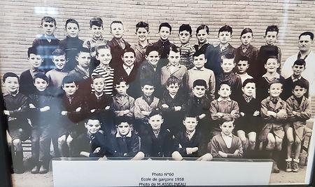 A l'école de garçons en 1958 (3ème rang, 5ème en partant de la droite)