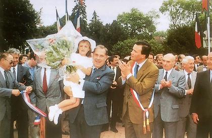 Inauguration de la piscine ludique de Lamotte-Beuvron, avec notamment Charles Pasqua