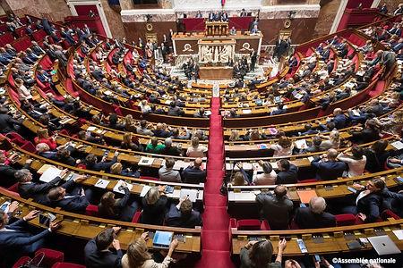 Une séance publique dans l'hémicycle de l'Assemblée nationale
