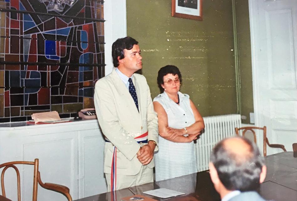 Patrice Martin-Lalande célèbre un mariage à la mairie de Lamotte-Beuvron