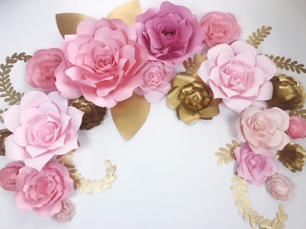 Pink-and-gold-backdrop-by-paperflora.com