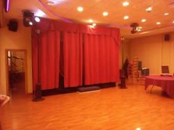 Сцена подиум с кулисами