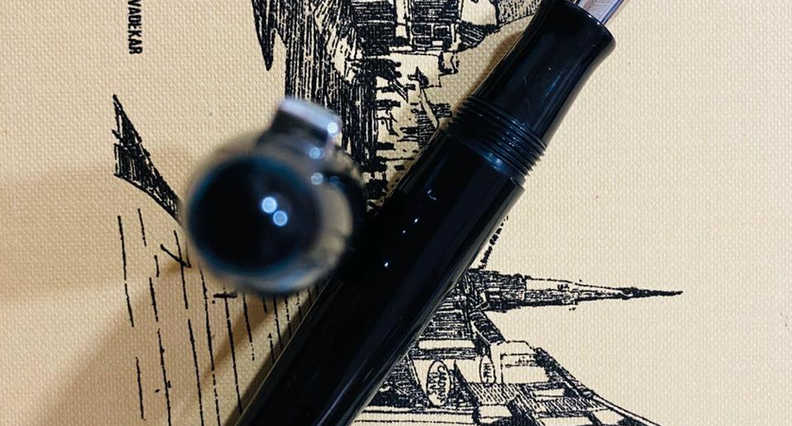 Vazir 2.0 Black Fountain Pen (4).jpeg